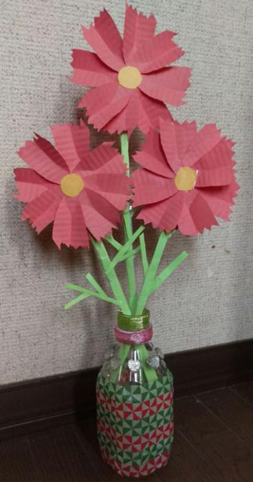 コスモスと花瓶